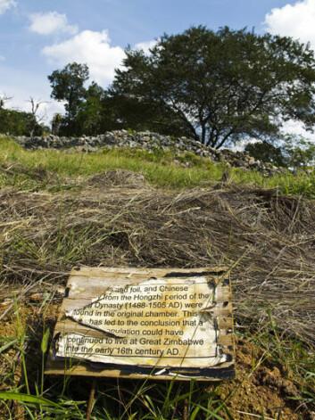 Krisa i Zimbabwe har ført til at dei fleste tilsette ved Great Zimbabwe har reist til utlandet. Verdifulle historiske minne er i ferd med å forsvinne. (Foto:Eivind Senneset)