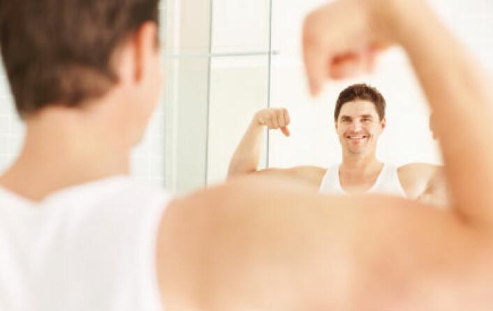 """""""Studien viser at folk har en tendens til å se hendene sine som mye bredere enn de egentlig er. Studiens hovedforfatter mener noen kan ha et slikt syn på hele kroppen sin. (Illustrasjonsfoto: iStockphoto)"""""""