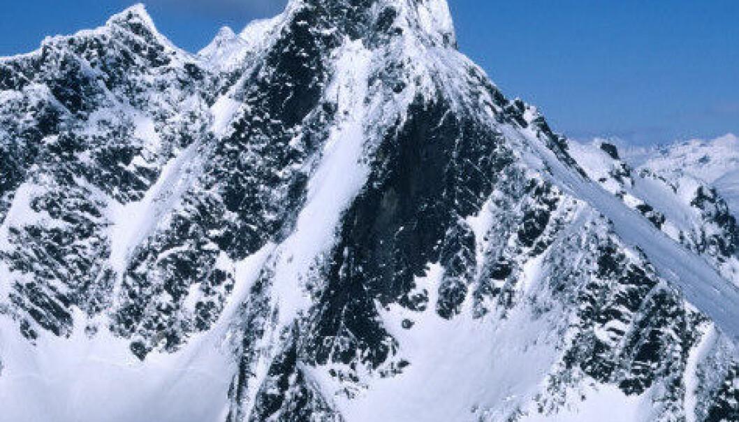 Storen, også kalt Store Skagastølstind ruver 2 405 meter over havet, og er Norges tredje høyeste fjell. Storen er det eneste av Norges tre høyeste fjell som krever klatring for å nå toppen den enkleste vei. (Foto: Wikimedia Commons)