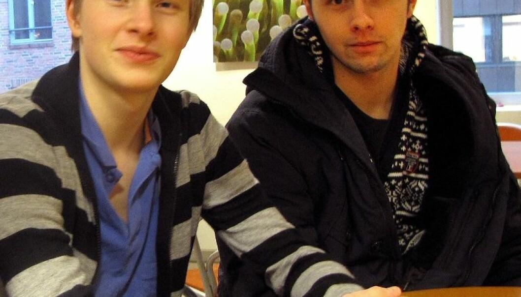 Stian Karlsen (ikke-snuser) og Joakim  Røsseland (snuser). (Foto: Marianne Nordahl)