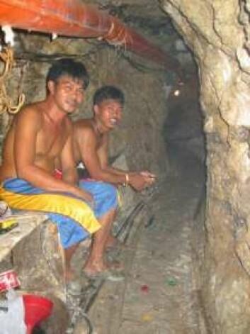 De mange småskalagruvearbeiderne i Filippinene utvinner ca. 30 tonn gull i året, noe som tilsvarer 80 prosent av landets gullproduksjon. (Foto: Peter Appel)