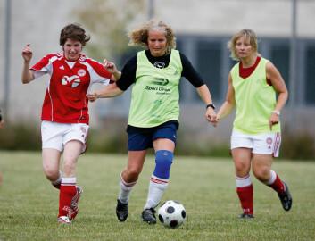 Fra en treningsøkt i fotballgruppa. (Foto: Anders Kjærbye)
