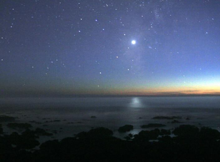 """Venus går ned i vest, som """"kveldsstjernen"""" (Foto: Mila Zinkova, Creative Commons, se lisens)"""