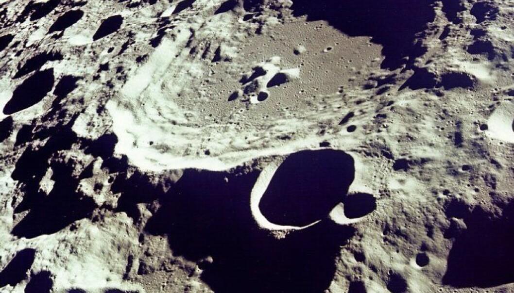Blir man truffet av meteorer på månen?