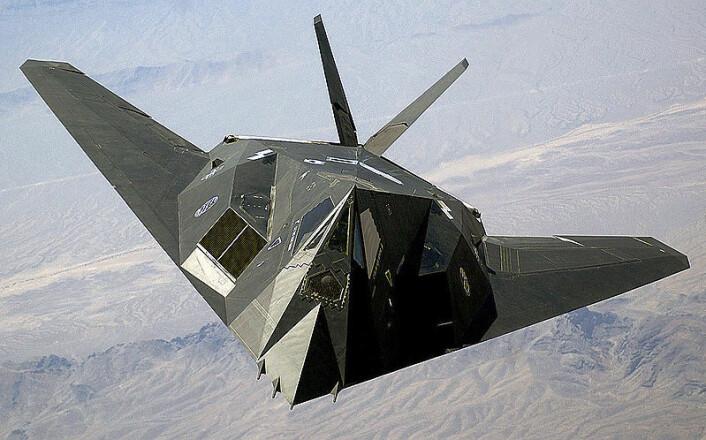 Stealthfly er vanskelige å se på radar, men i fremtiden vil man kanskje kunne gjøre fly helt usynlige ved hjelp av et usynlighetsteppe. (Foto: Wikimedia Commons)