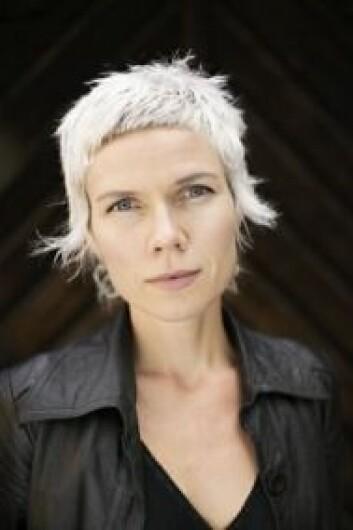 """Forfatteren Hanne Ørstavik har motsatt seg merkelappen som """"kvinnelig forfatter"""". (Foto: Hans Fredrik Asbjørnsen, Forlaget Oktober)"""