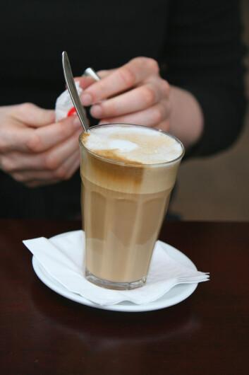 """""""Koffein er også et sentralstimulerende middel, og brukes flittig av studenter. (Illustrasjonsfoto: www.colourbox.no)"""""""
