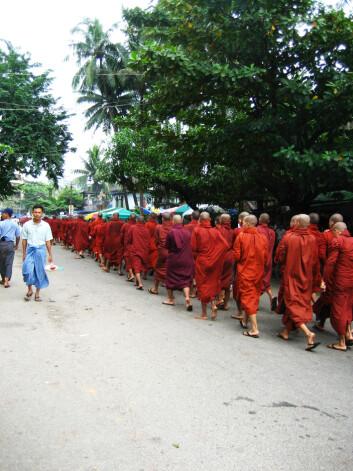 Safranopprøret i Burma brakte munkene ut på gata. Opprøret fikk internasjonal oppmerksomhet ved hjelp av Internett. (Foto: www.flickr.com)