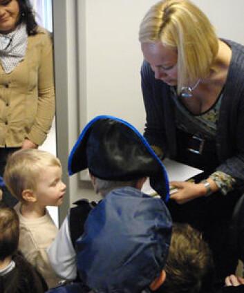 Forskerne bruker ulike pedagogiske fremgangsmåter, der mye av fokuset er på lek. (Foto: Ida M. Knudsen)