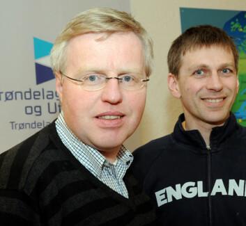 - Dagens teknologiske muligheter vil gjøre det lønnsomt å lage drivstoff av skog, sier Hans Martin Storø og Roald Sand. (Foto. Morten Stene)