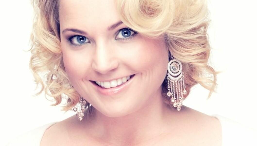 Vardlokken Helene Bøksle syng om i laurdagens Melodi Grand Prix-finale var i mellomalderen ein rituell song i den norrøne trolldomsforma seid. (Foto: heleneboksle.no)