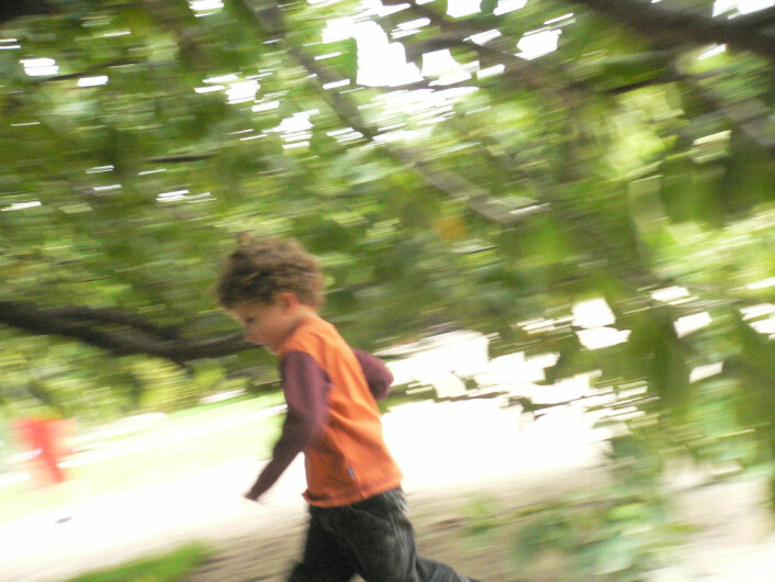 Unger beveger seg mer eller mindre like mye - uansett hvor mye gym de har på skolen. (Foto: Colourbox.no