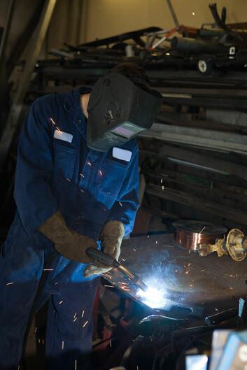 """""""Norsk industri kan miste 40.000 arbeidsplasser i løpet av tre år, tror Statistisk sentralbyrå. (Foto: Clipart)"""""""