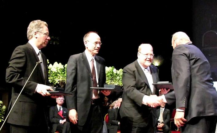 Richard Scheller, Thomas Südhof og James Rothman overrekkes Kavliprisen i nevrovitenskap 2010 av HKH Harald.