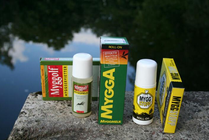 Et utvalg myggmidler i salg i Norge som inneholder stoffet Deet. Franske forskere stiller spørsmålstegn ved om Deet er trygg å bruke. (Foto: Asle Rønning)