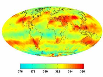 Dette satellittbildet fra juli 2008 viser hvordan ansamlingene av CO2 forlytter seg med sirkulasjonen i atmosfæren. (illustrasjon: NASA/JPL)