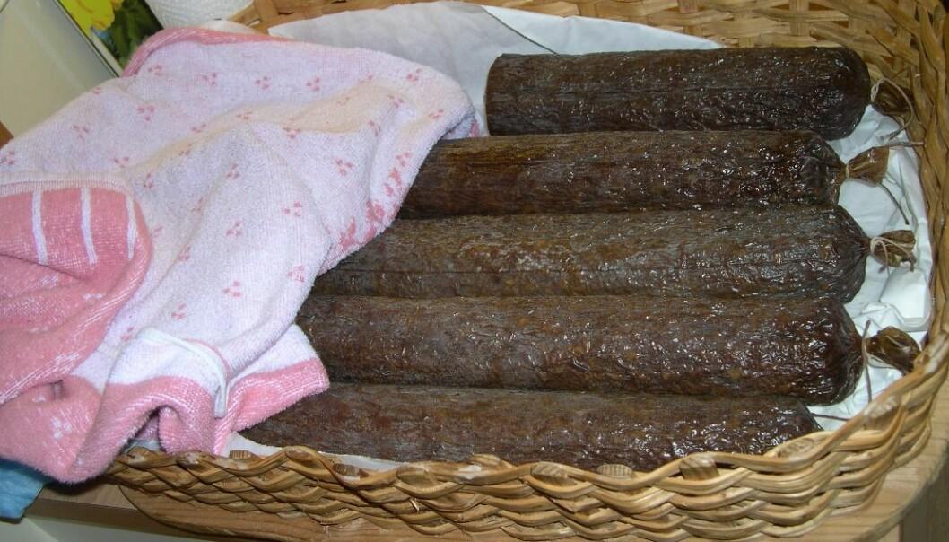 Spekepølse av geit og sau produsert etter gammel metode med lange tradisjoner. (Foto: Elin Bekvik Sunde)