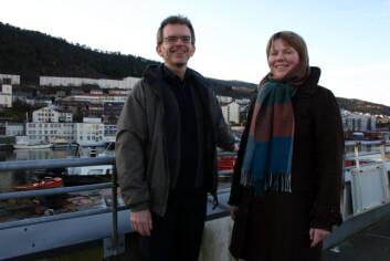 Forskningsdirektør Svein Winther ved Unifob miljøforskning og forsker Anne A. Hageberg ved Christian Michelsen Research. (Foto: Olav Røli/På Høyden)