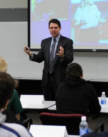 Michael Alley underviser doktorgradsstudenter.