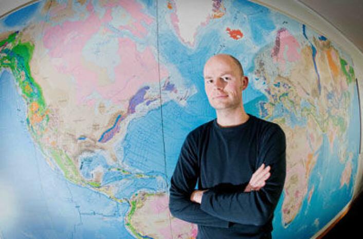 Geofysiker Wouter Schellart ved australske Monash University forsker på modellering av bevegelser i kontinentalplatene. (Foto: Monash University)