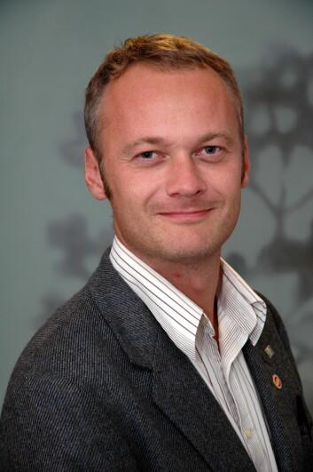 Jarle Trondal ønsker å analysere de nasjonale og det europeiske forvaltingsystemet som en helhet. Trondal er professor ved ARENA – Senter for europaforskning, UiO, og ved Universitetet i Agder.