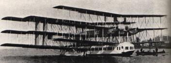 """""""Caproni noviplano, med åtte motorer og ni vinger."""""""