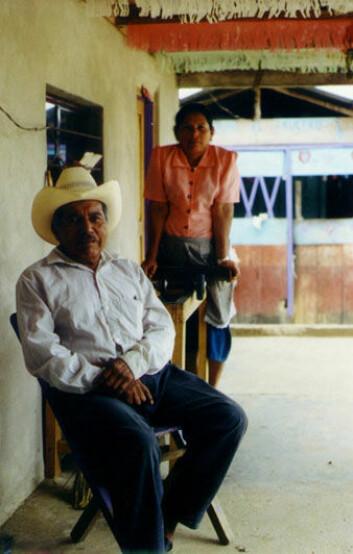 """""""Dette ekteparet i landsbyen Agua Azul i delstaten Chiapas leverte sin kaffe til Fairtrade-kooperativ da Milford gjorde sitt feltarbeid. (Foto: Anna B. Milford)"""""""