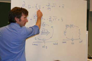 Professor David W. J. Thompson legger frem siste nytt innen sirkulasjonsteori for studentene ved sommerskolen.