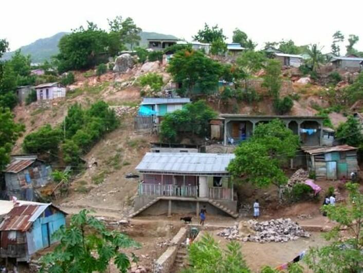 En stor del av befolkningen i Haiti lever i fattigdom. Landet var avhengig av matavarehjelp utenfra også før forrige ukes jordskjelv. Bilde tatt 2006 (Foto: Remi Kaupp, Wikimedia Commons)