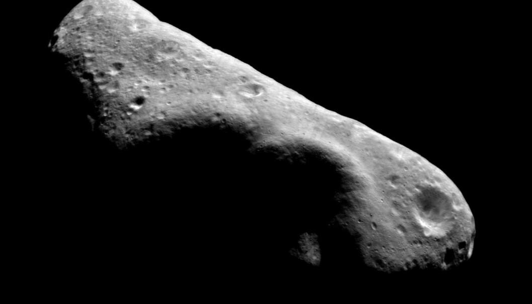I 2001 landet NASAs fartøy NEAR Shoemaker på den 34 kilometer lange asteroiden Eros. Steinen er antagelig større enn den som ramlet ned på jorda da dinosaurene døde, men risikoen for at den skal treffe oss med det første er mikroskopisk. (Foto: NASA)