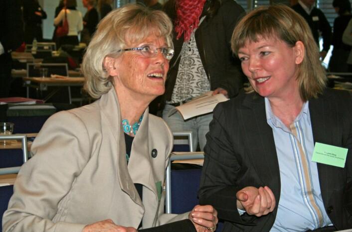 """""""Professor Lucy Smith og redaktøren i Tidsskrift for Den Norske Legeforening, Charlotte Haug, var to av de som diskuterte HPV-vaksinen på Høyres Hus tidligere denne uken. (Foto: Bjørnar Kjensli)"""""""