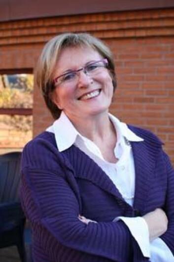 Eva Sunde, universitetslektor ved Institutt for pedagogikk, meiner at det er viktig å kunne tilby ein praktisk inngang til teori. (Foto: Åse Johanne Roti Dahl)