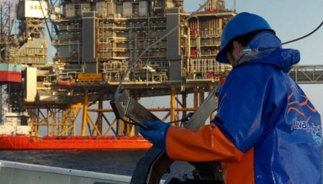 Akvaplan-niva leverer forsknings- og overvåkingsresultater som veier tungt når både oljeselskaper og myndigheter skal vurdere en eventuell oljevirksomhet i nye havområder. (Foto: Polarmiljøsenteret)