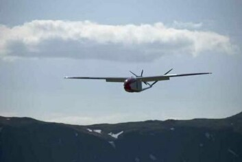 Dronen på sin første tur med partikkelmåler. (Foto: Trond Abrahamsen, Andøya Rakettskytefelt)