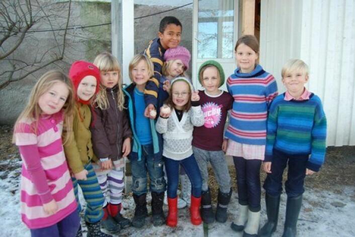 Vilde, Edvarda, Aurora, Vetle, Jonathan, Vivian, Amalie, Alvilde, Lotta og Johan er de forundrede 2.klassingene på Steinerskolen på Rotvoll. (Foto: Berit Glasø)