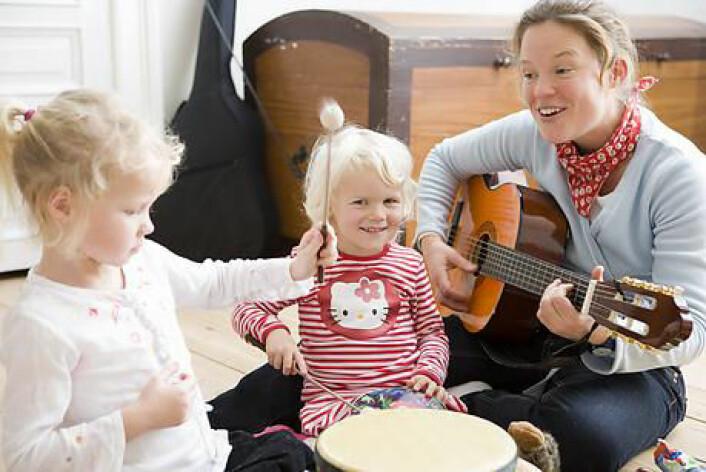 """""""I den tidlige barndommen er det for mye vektlegging på lesing, skriving og bruk av tall, og for lite fokus på fordelen ved sang, mener Goddard Blythe.(Illustrasjonsfoto: www.colourbox.com)"""""""