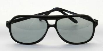 """""""3D-briller for RealD-systemet med polaroidfiltre. (Foto: Dave Pape)"""""""