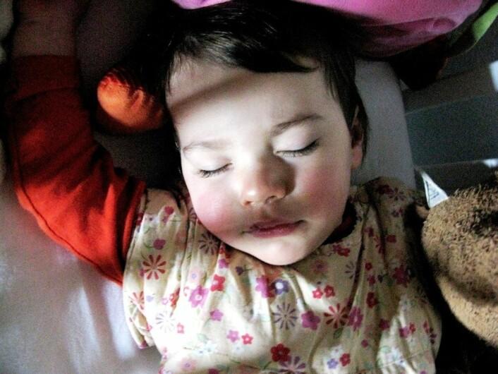 """""""Drøm er det samme som en tanke, bare i en litt annen tilstand, tror psykolog Dierdre Barrett. For barnkan være vanskelig å skjønne hva som er drøm og hva som er virkelighet. (Foto:www.colorbox.no)"""""""