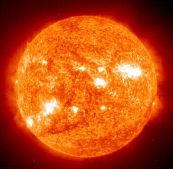 """""""Sommerfuglbestander påvirkes av solflekker på sola. (Foto: SOHO)"""""""