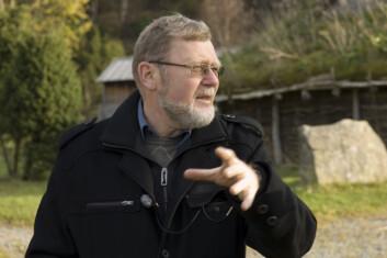 Seniorforsker Trond Løken har fulgt utgravningene på Landa i snart 30 år. (Foto: Terje Tvedt)