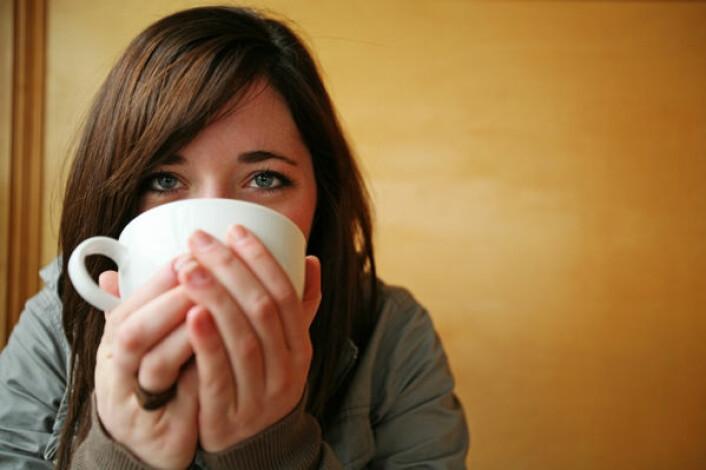 Drikker du mye kaffe daglig, har du større sjanse for å være plaget av hodepine av og til. (Foto: iStockphoto)