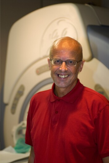 Professor Kenneth Hugdahl ved Universitetet i Bergen forsker på hørselshallusinasjoner hos schizofreni-pasienter. (Foto: P.E. Lilletun)
