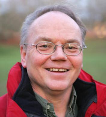 """""""Professor Arne Tronsmo er leder for et prosjekt som kan spare norske golfbaner for millioner."""""""