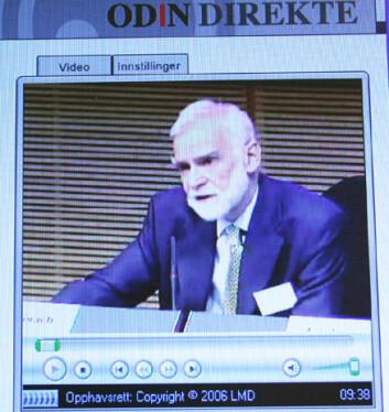 """""""E. coli-utvalget er blitt ledet av professor Stuart A. Slorach. Dagens pressekonferanse ble også overført på web-tv på informasjonstjenesten www.odin.dep.no. Foto: Andreas R. Graven"""""""