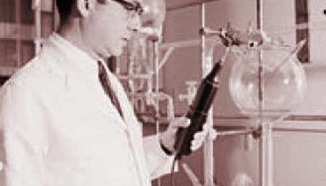 Stanley Miller i laboratoriet på University of California San Diego i 1970 (Foto: Scripps Institution of Oceanography Archives)
