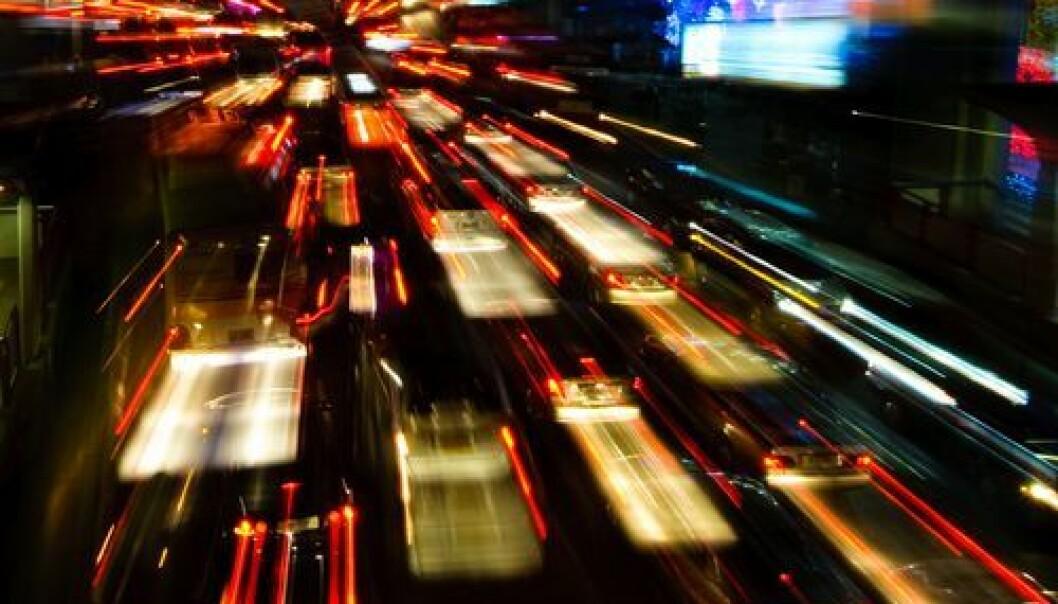 Hva man forventer å møte i trafikken, styrer i høy grad bilistenes atferd i veikryss, noe som øker faren for sammenstøt med bilister og motorsykler, ifølge nye forskningsresultater.
