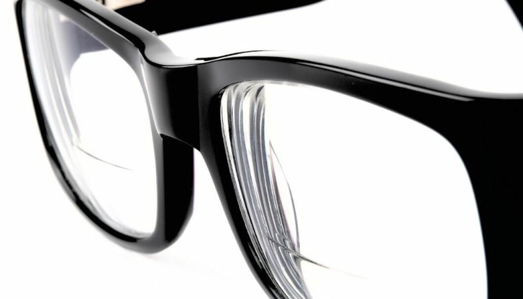 Kan sjå langt etter brillene