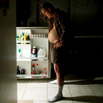 """""""Nattlige besøk i kjøleskapet kan gi deg uønsket pondus. (Foto: iStockphoto)"""""""