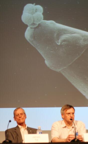 """James Till (til venstre) ble hedret under det årlige møtet i International Society for Stem Cell Research i Toronto, Canada."""