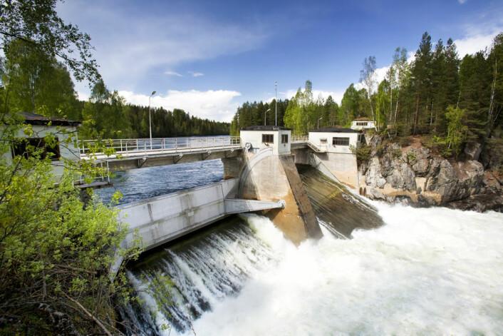 Mer vann i kraftmagasinene, spesielt om vinteren, vil føre til lavere strømpris i Norge. (Foto: Tyler Olson/Shutterstock)